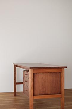 Side Drawer Desk